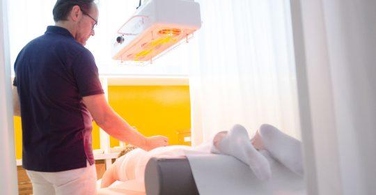 Sportler und Akupunktur – Nadeln nehmen den Schmerz